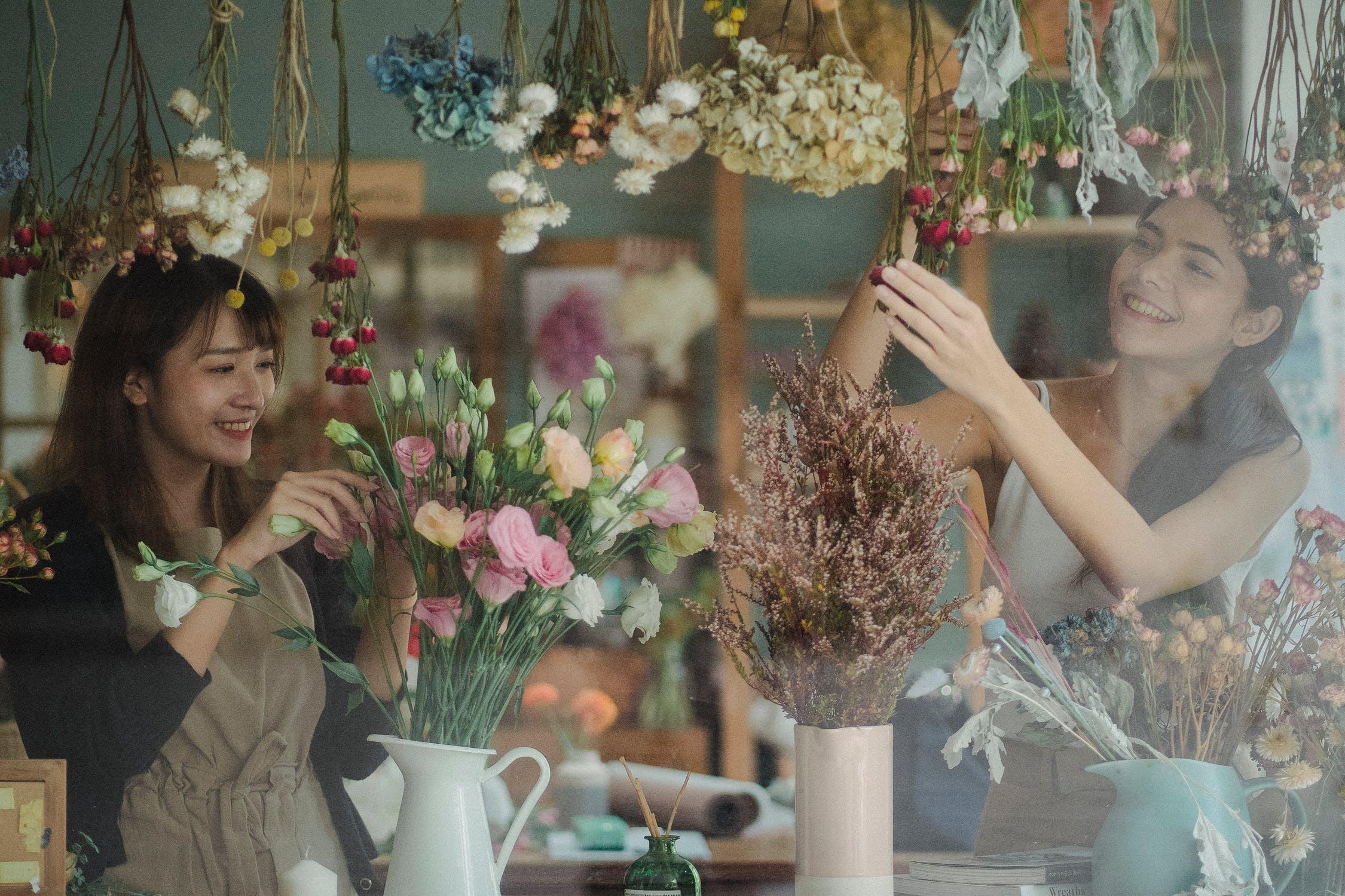 lựa chọn chuyển đổi nghề nghiệp với nghề cắm hoa