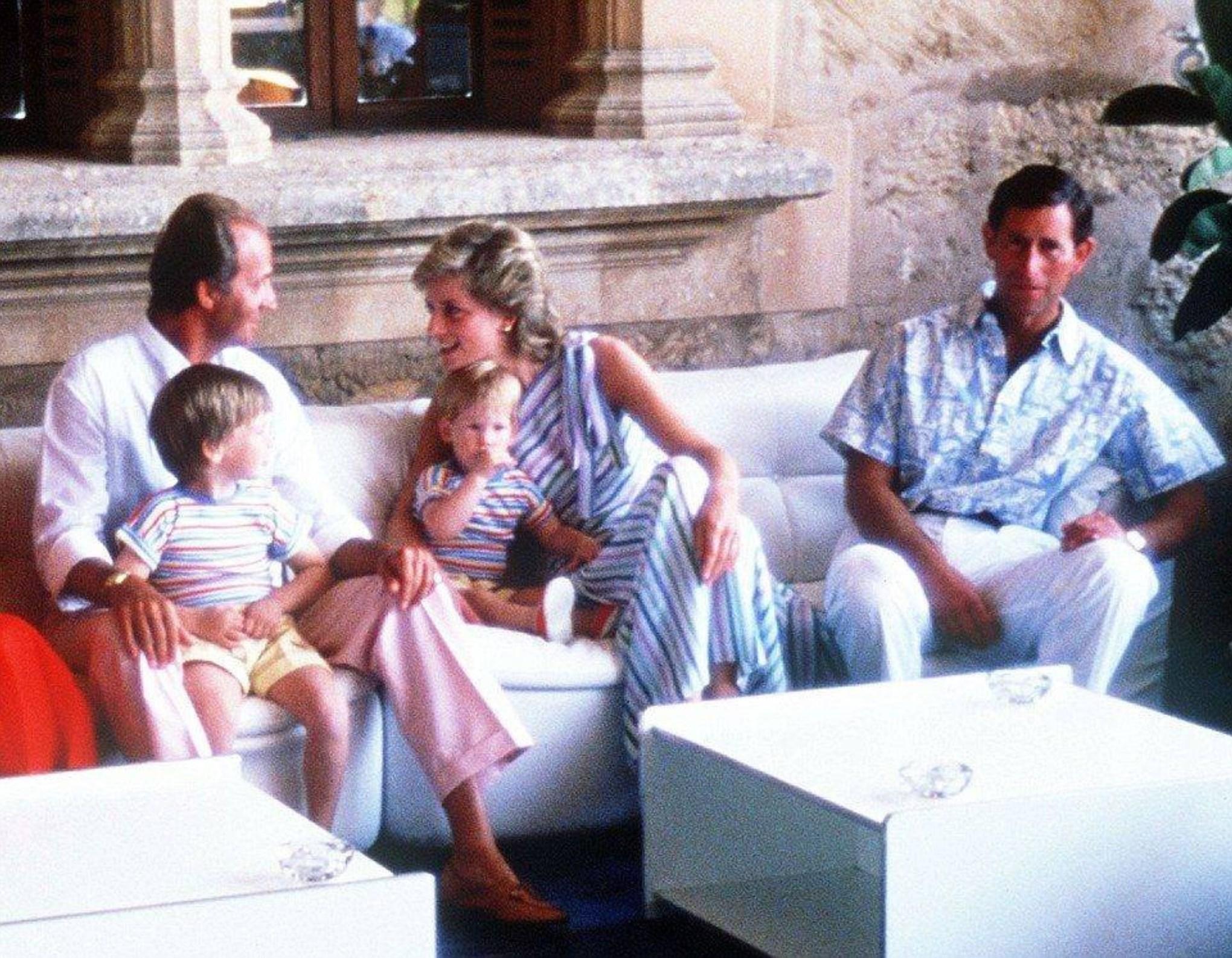 Gia đình công nương Diana và quốc vương Tây ban nha