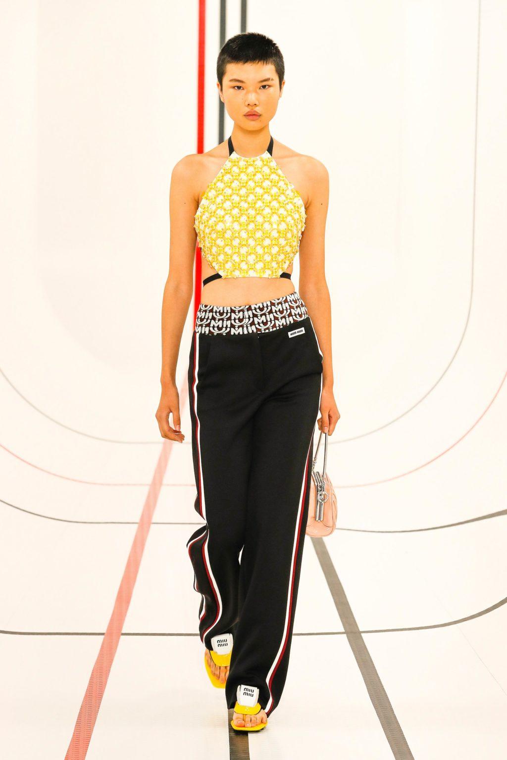 thời trang đồ thể thao Miu Miu
