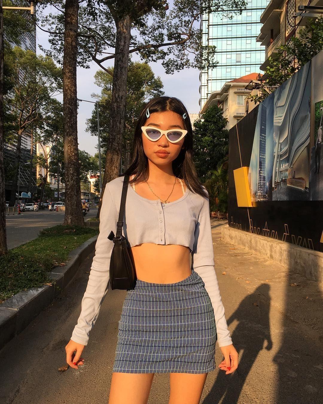 influencer oanh da queen áo crop top tím cardigan