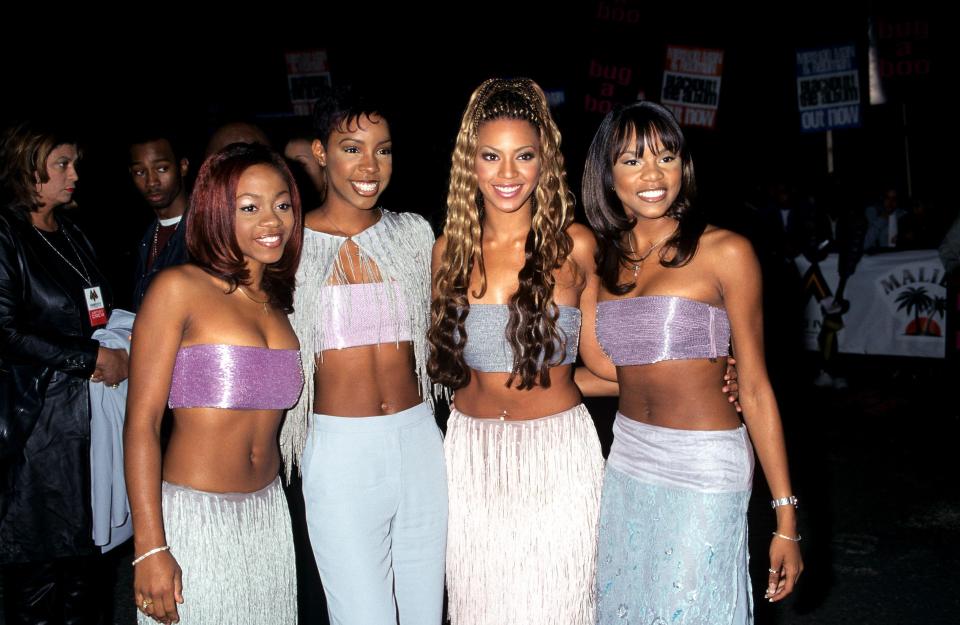 áo ống những năm 2000