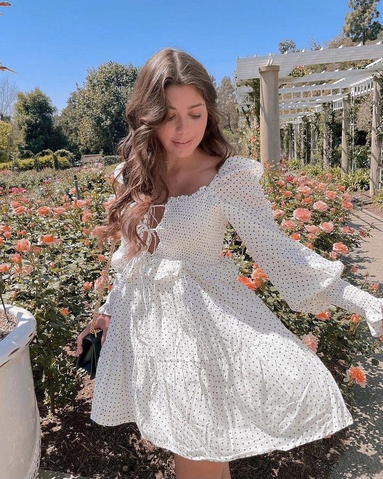 váy babydoll trắng buộc dây