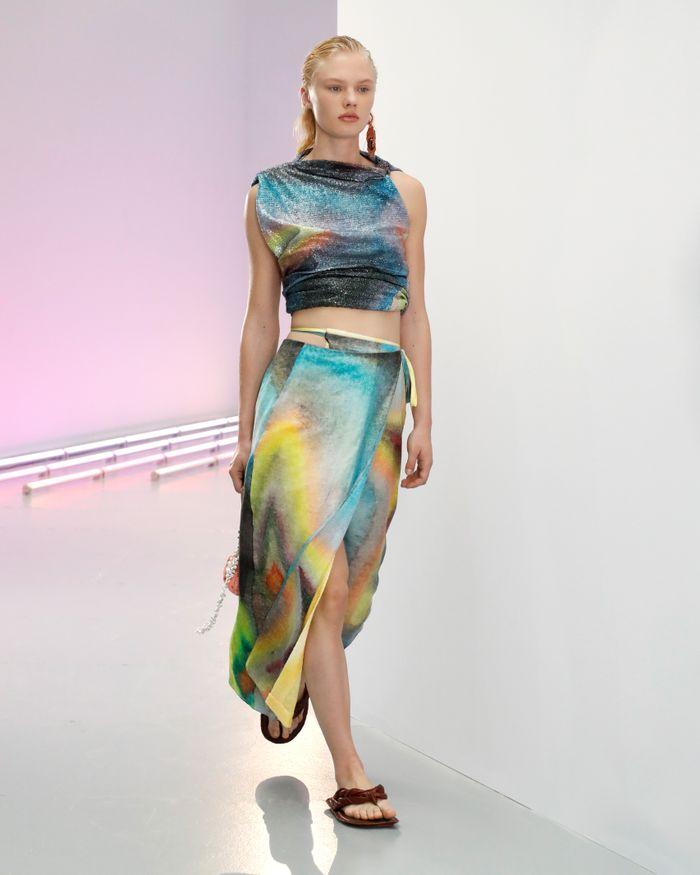 Acne Studio set trang phục in màu nước