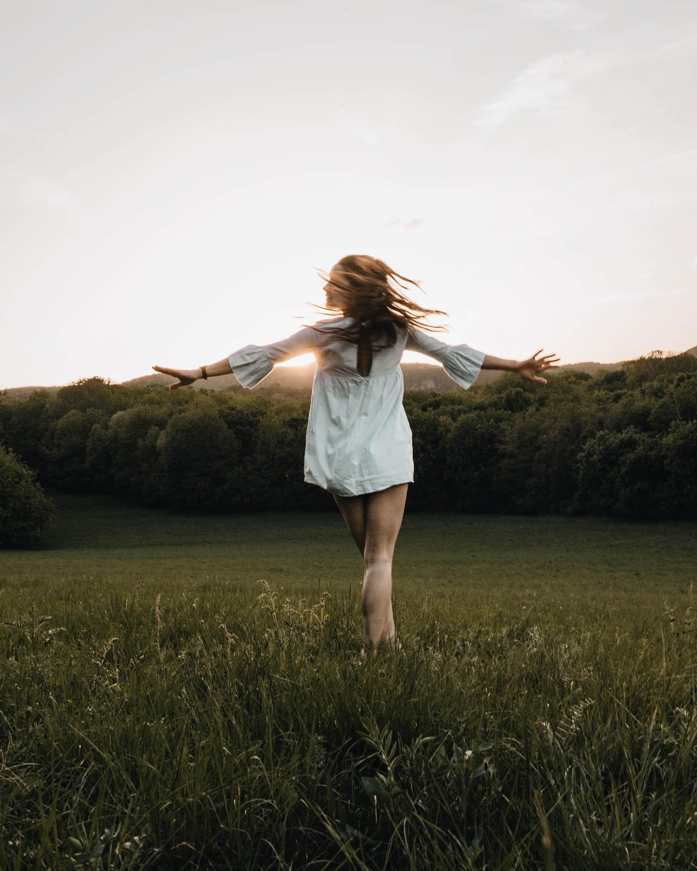 Giai đoạn nửa đầu chu kỳ mặt trăng khiến tâm trạng cô gái phấn khởi