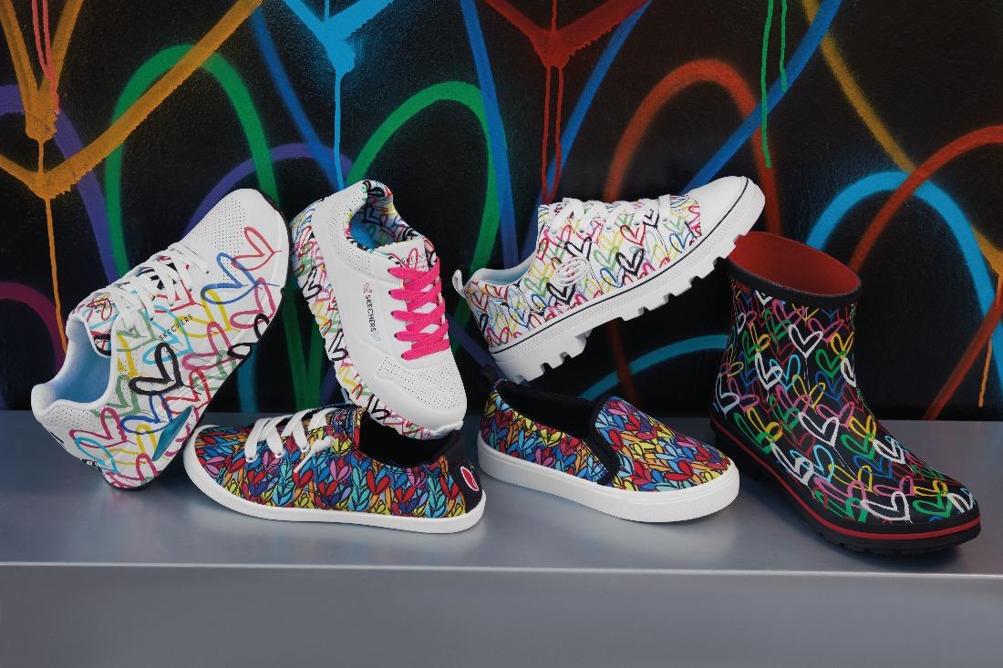 Skechers x JGoldcrown giày thể thao hoạ tiết love walls