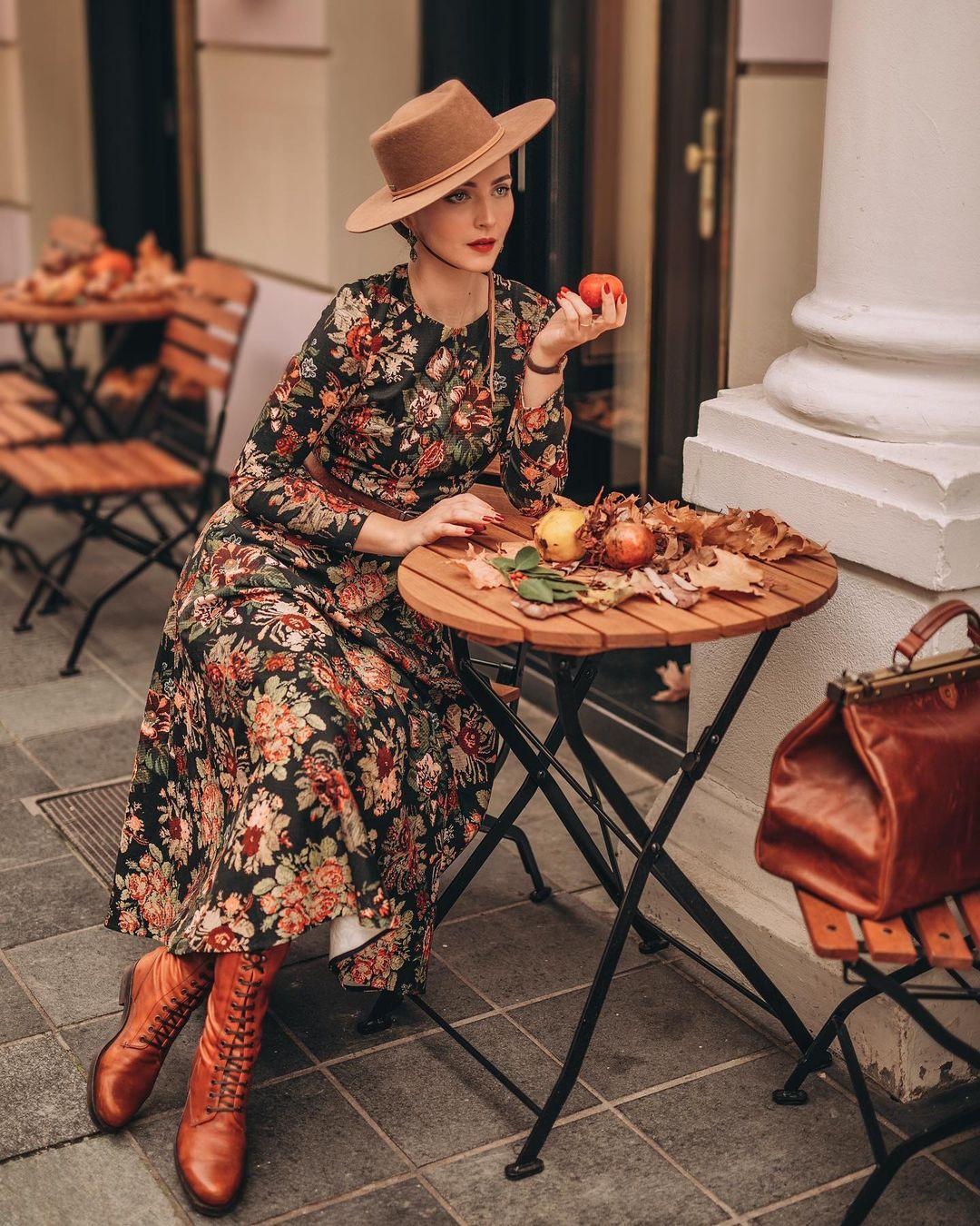 đầm hoa cho bức ảnh vintage