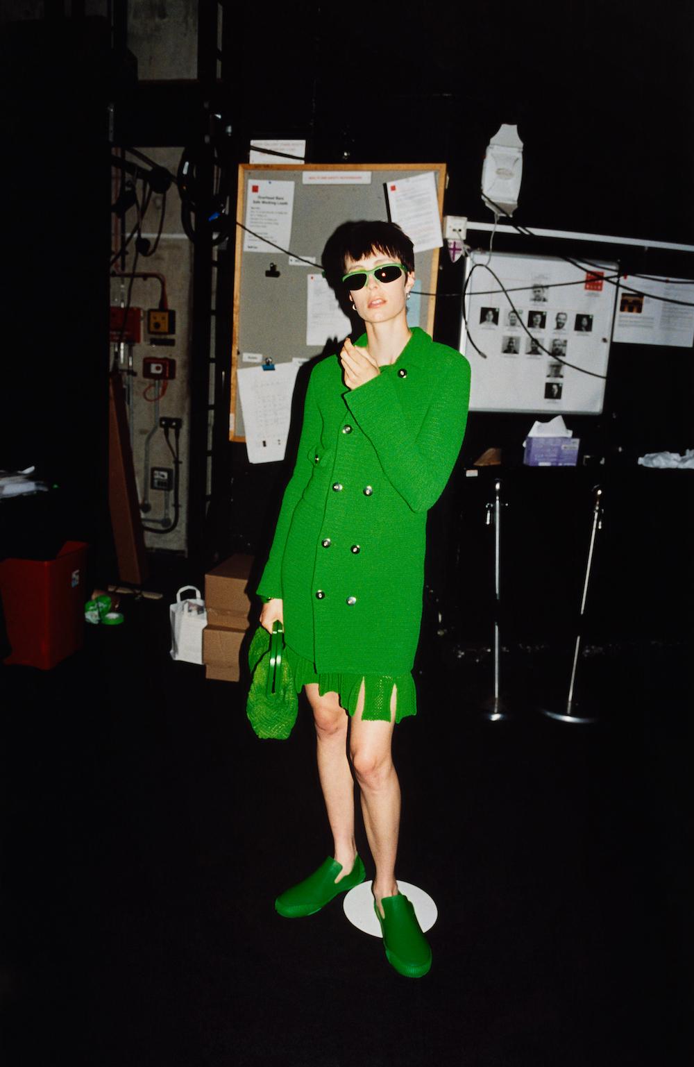 Thiết kế váy xanh lá