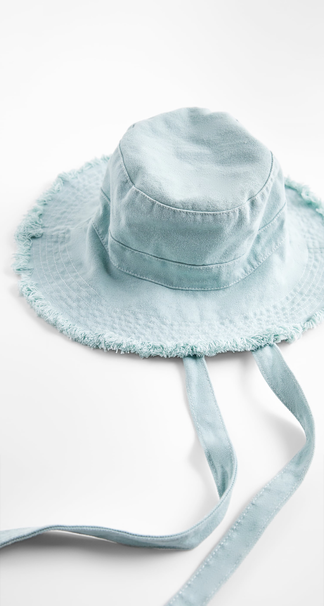 nón bucket Zara dây buộc