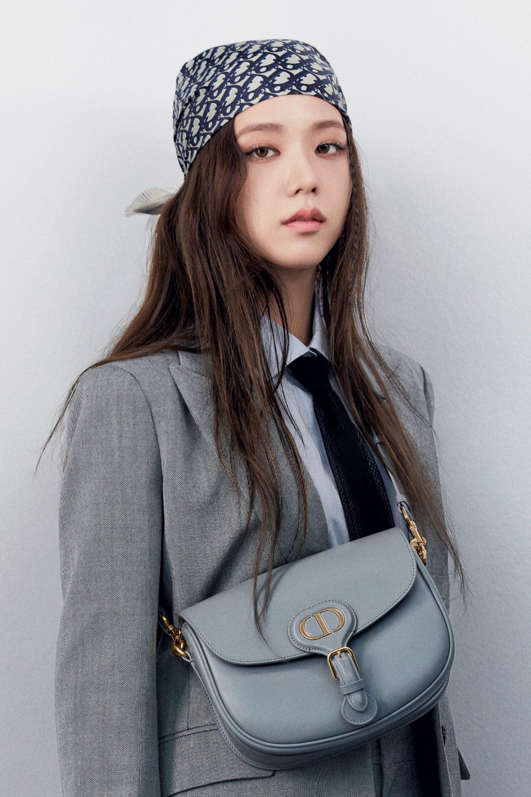 khăn trùm tóc Dior Jisoo