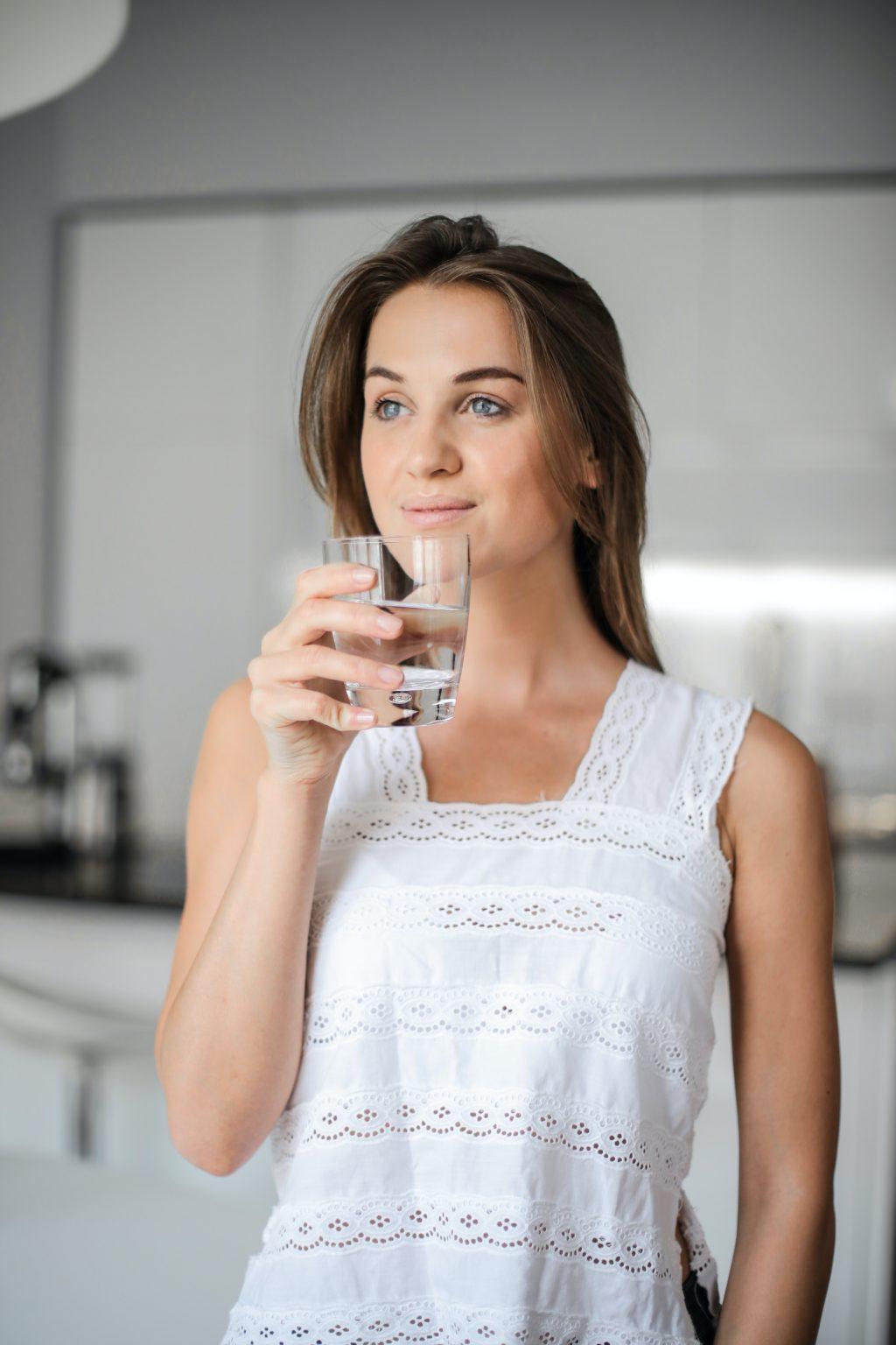 Để giảm cân hiệu quả, nên uống nhiều nước