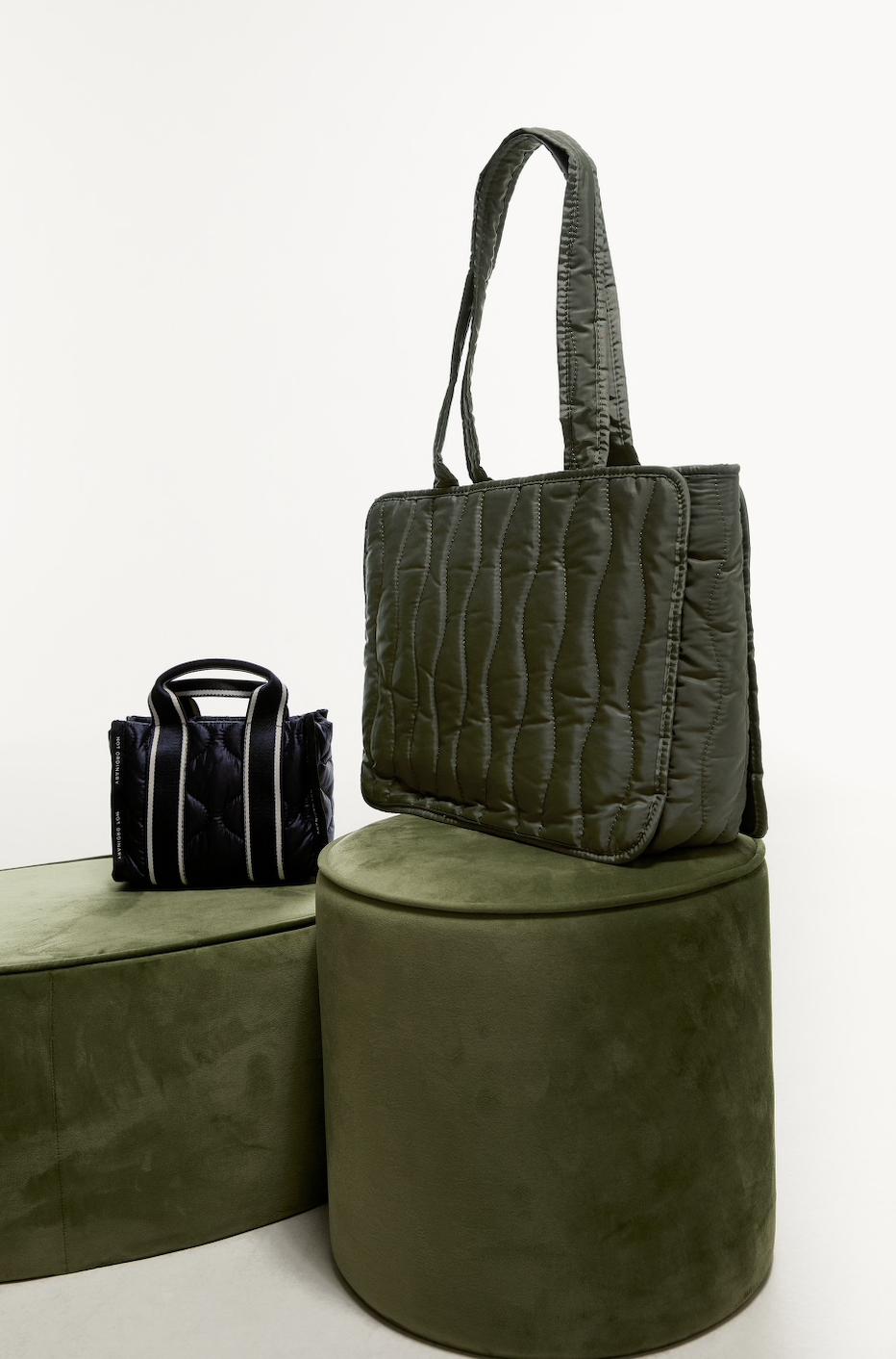Túi chống thấm nước Zara