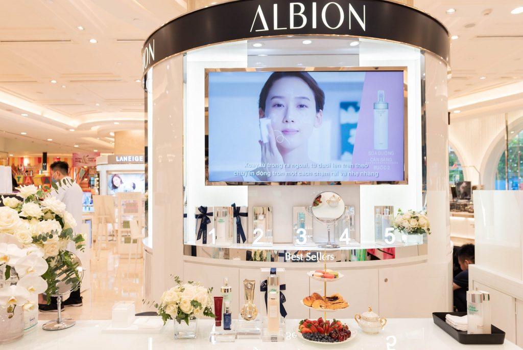 Albion excia brightening - đột phá khoa học tế bào gốc chạm mở vẻ đẹp làn da vượt thời gian