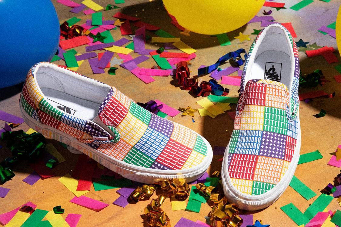 Giày Vans kẻ ô lớn in ký hiệu LGBTQIA+