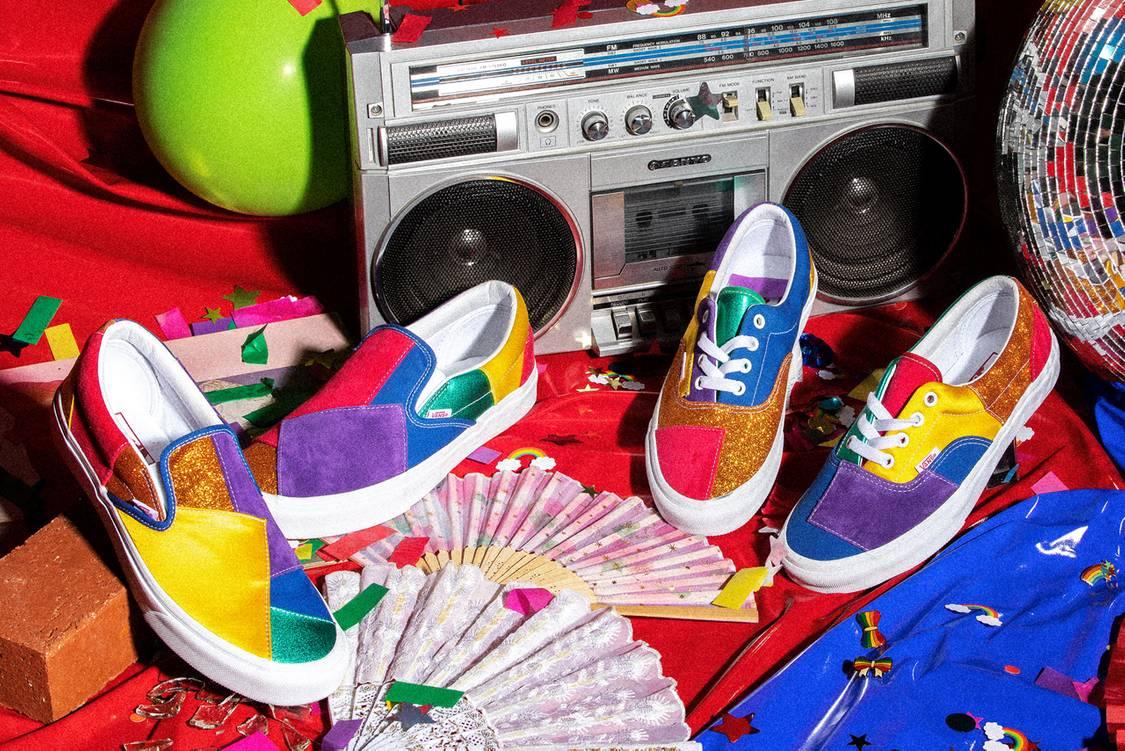 Giày họa tiết miếng vá color block