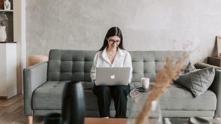 Làm thế nào để tìm công việc qua mạng xã hội?