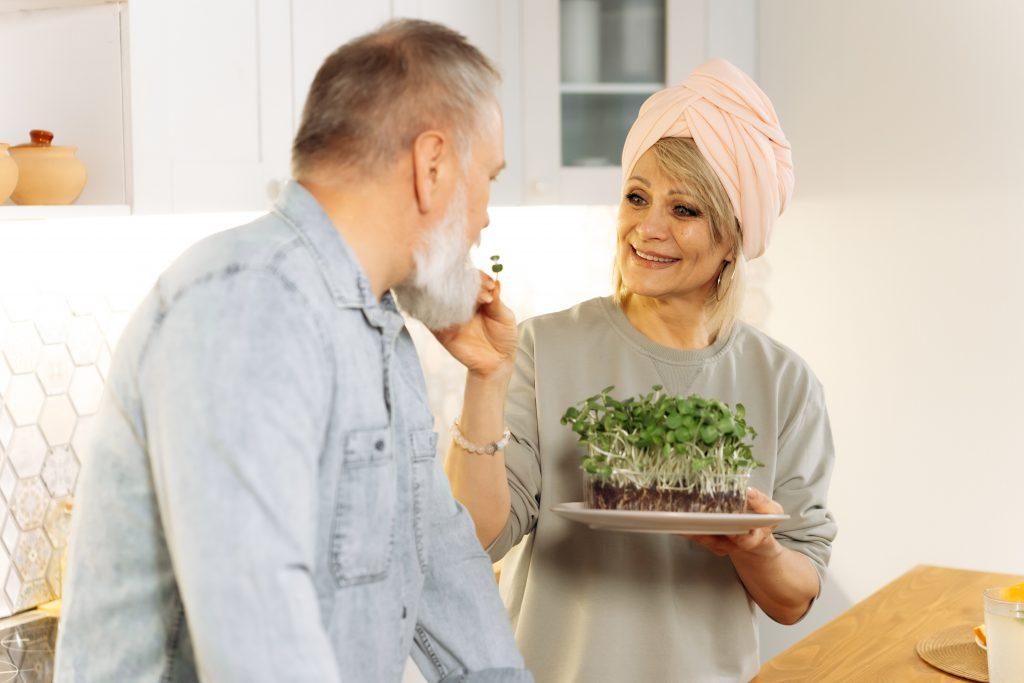 Chế độ ăn uống hợp lí giúp bạn chống lão hóa hiệu quả