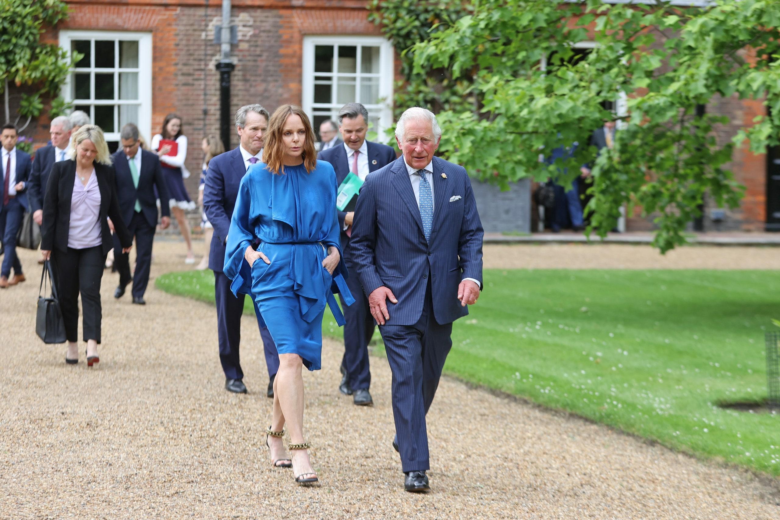 NTK  Stella McCartney cùng Thái tử Charles tại G7