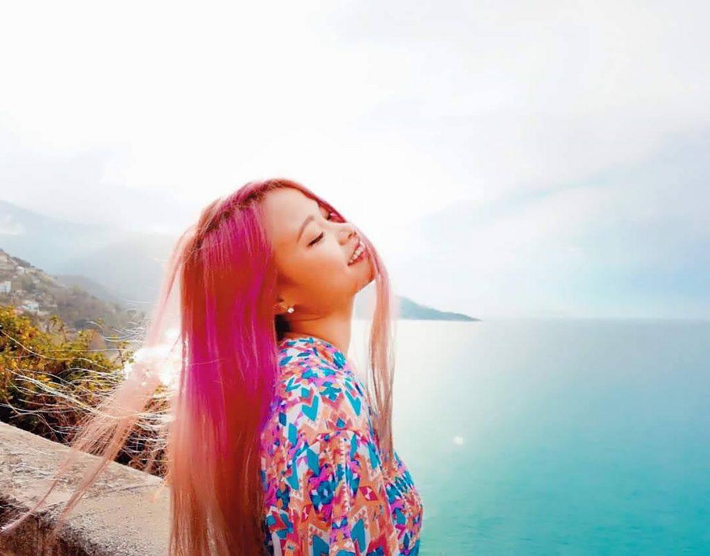 tarot reader Linh Nguyễn nói về tâm lý