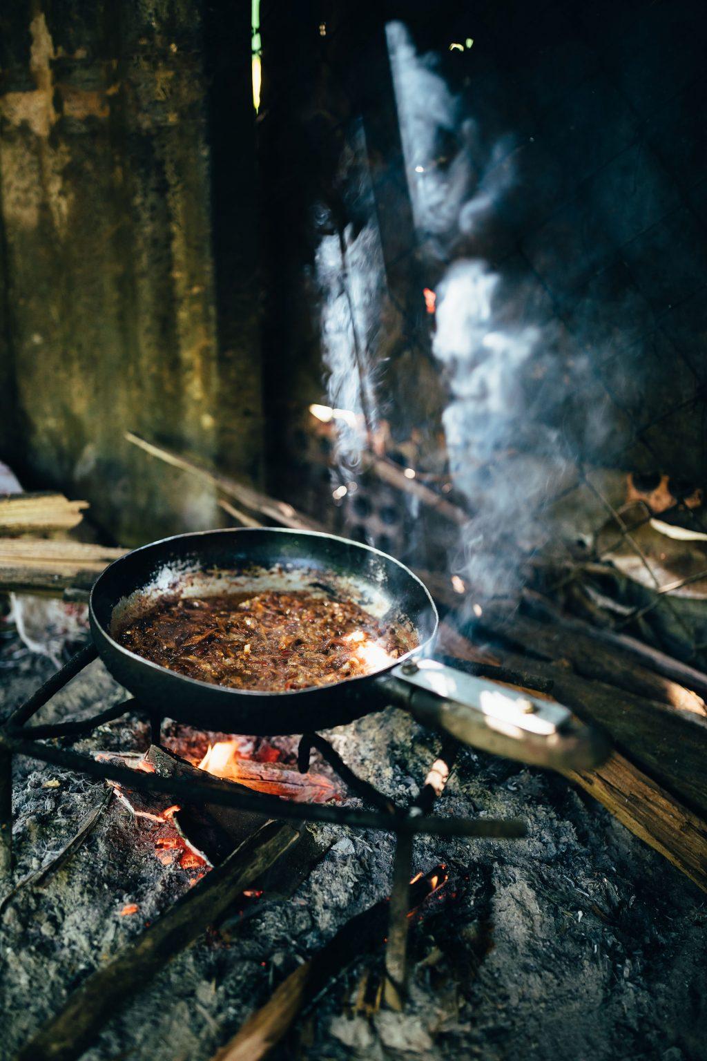 Trị An món ăn nấu từ bếp củi