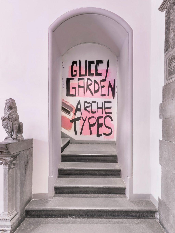 thời trang không gian triển lãm Gucci