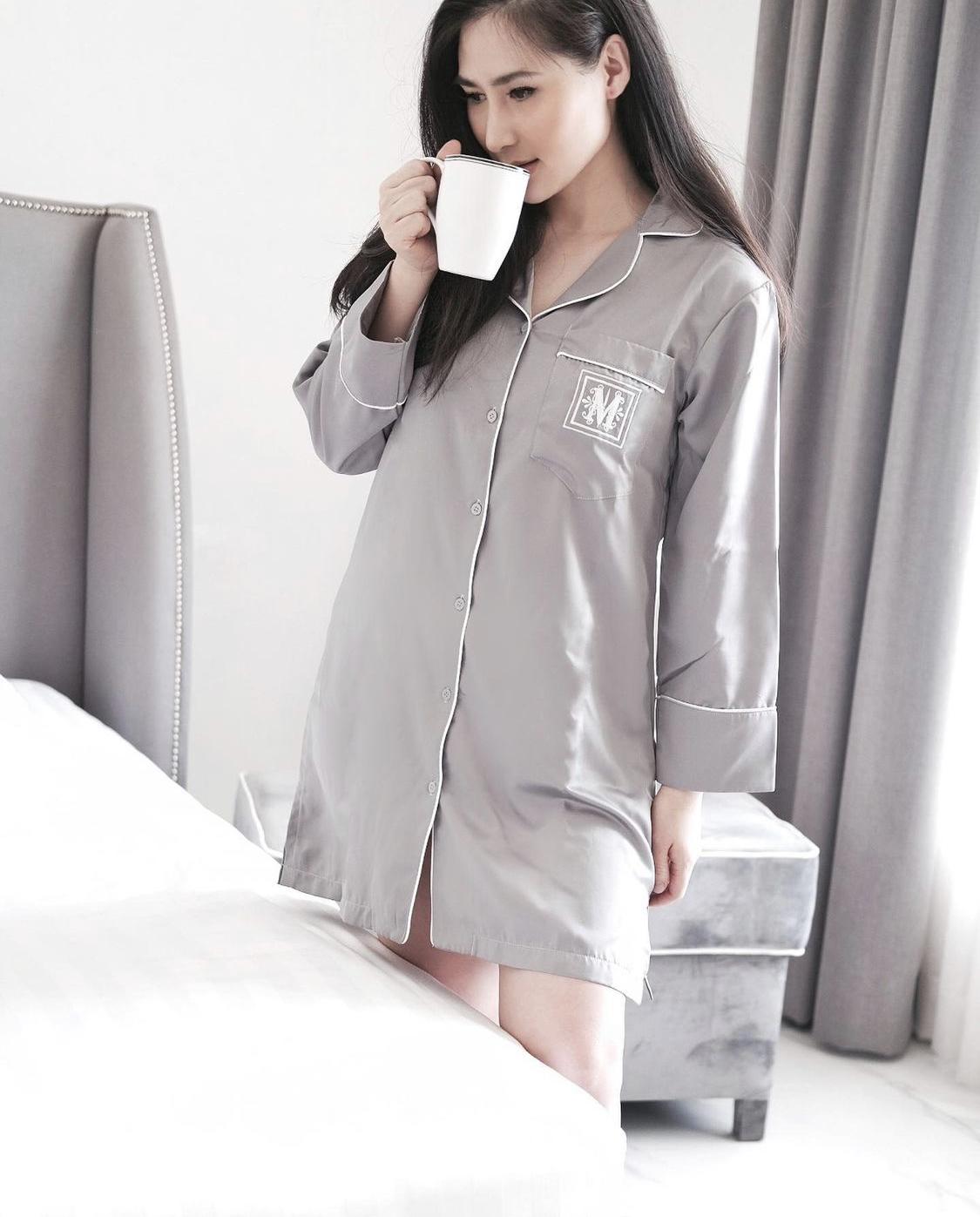 váy ngủ dáng pyjama màu xám