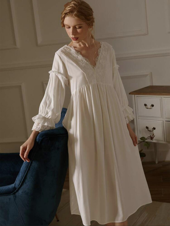 váy ngủ trắng chi tiết ren