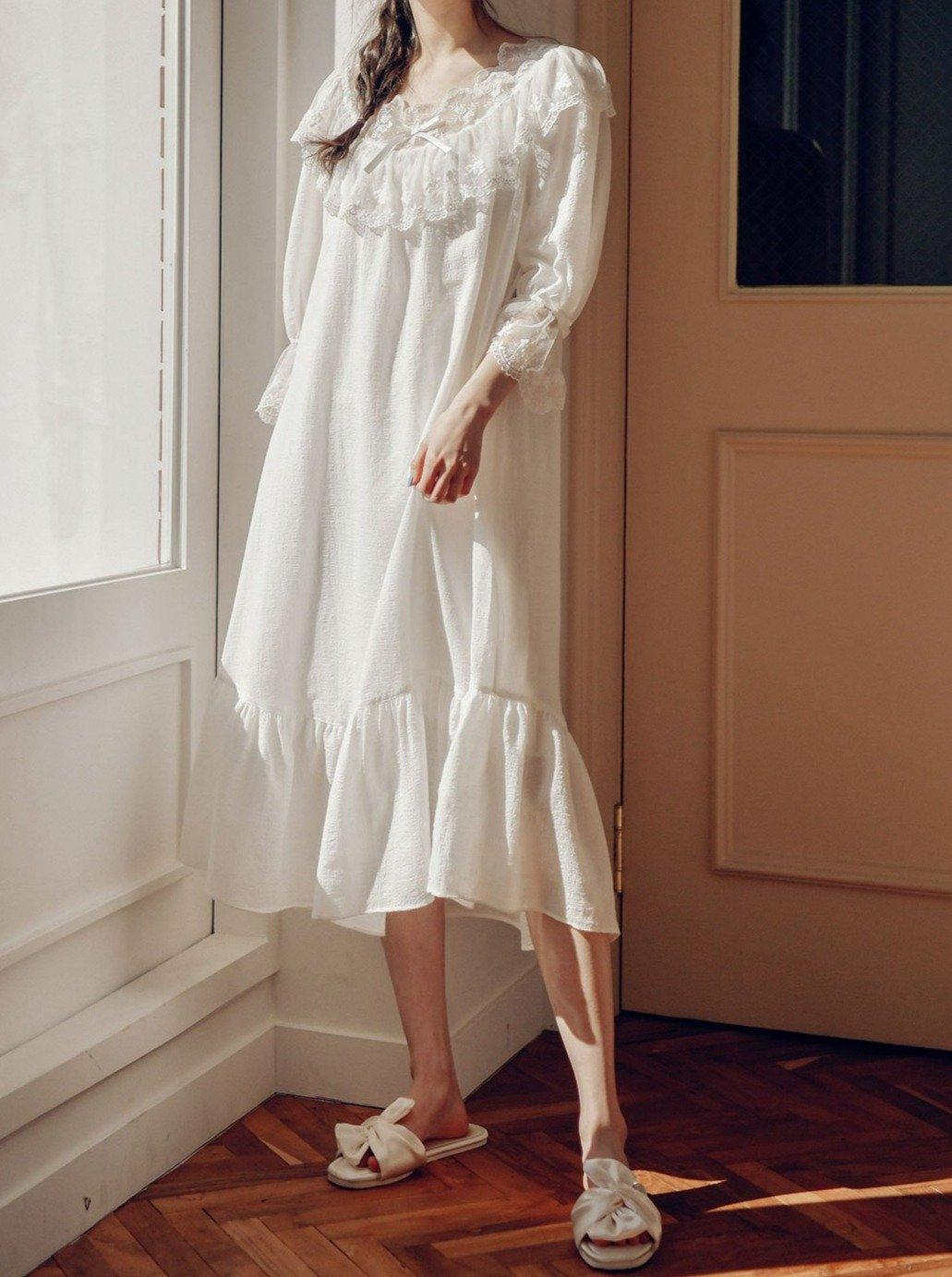 váy ngủ ren trắng