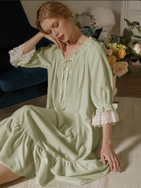 váy ngủ xanh cốm chi tiết cách điệu