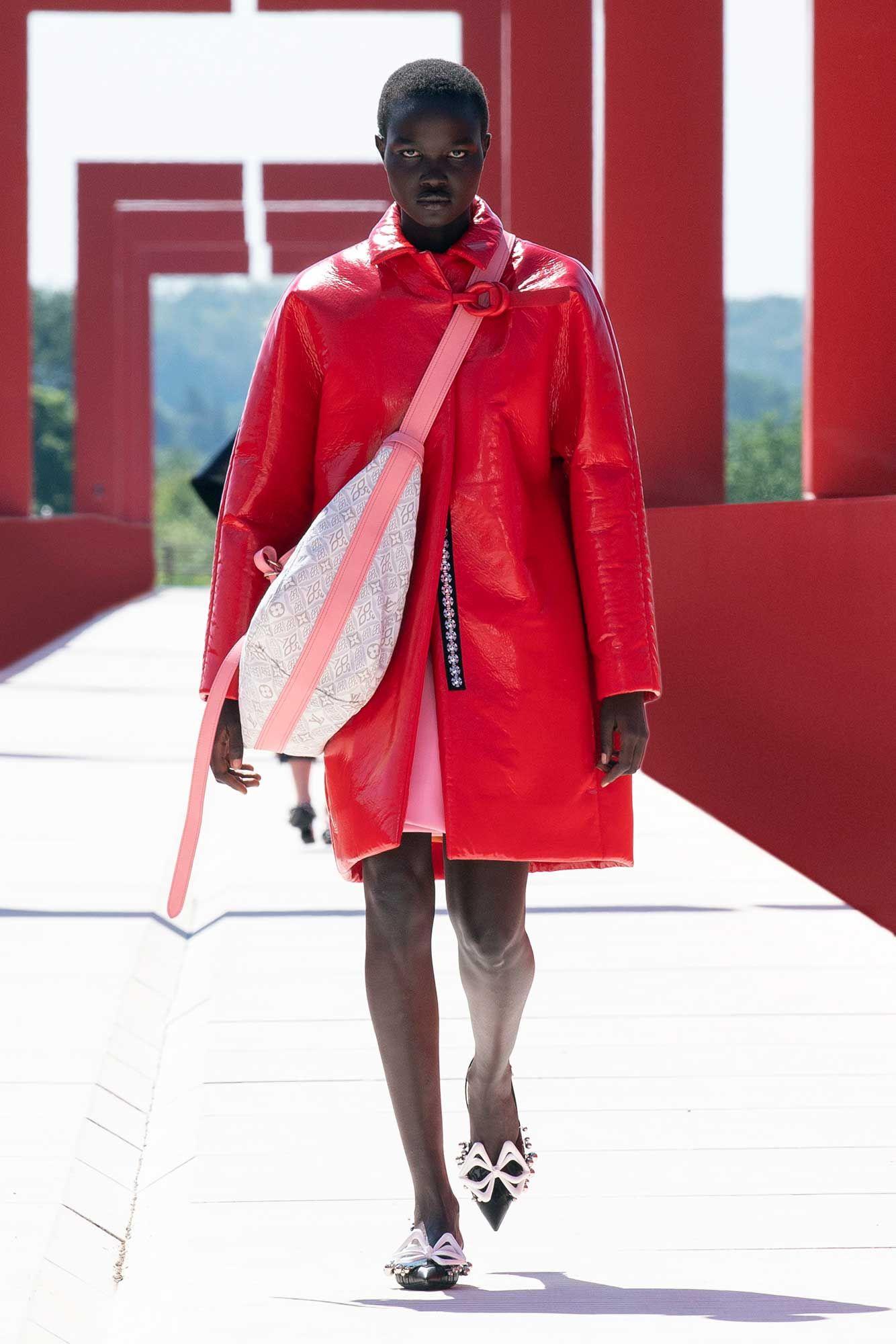 Áo khoác da đỏ