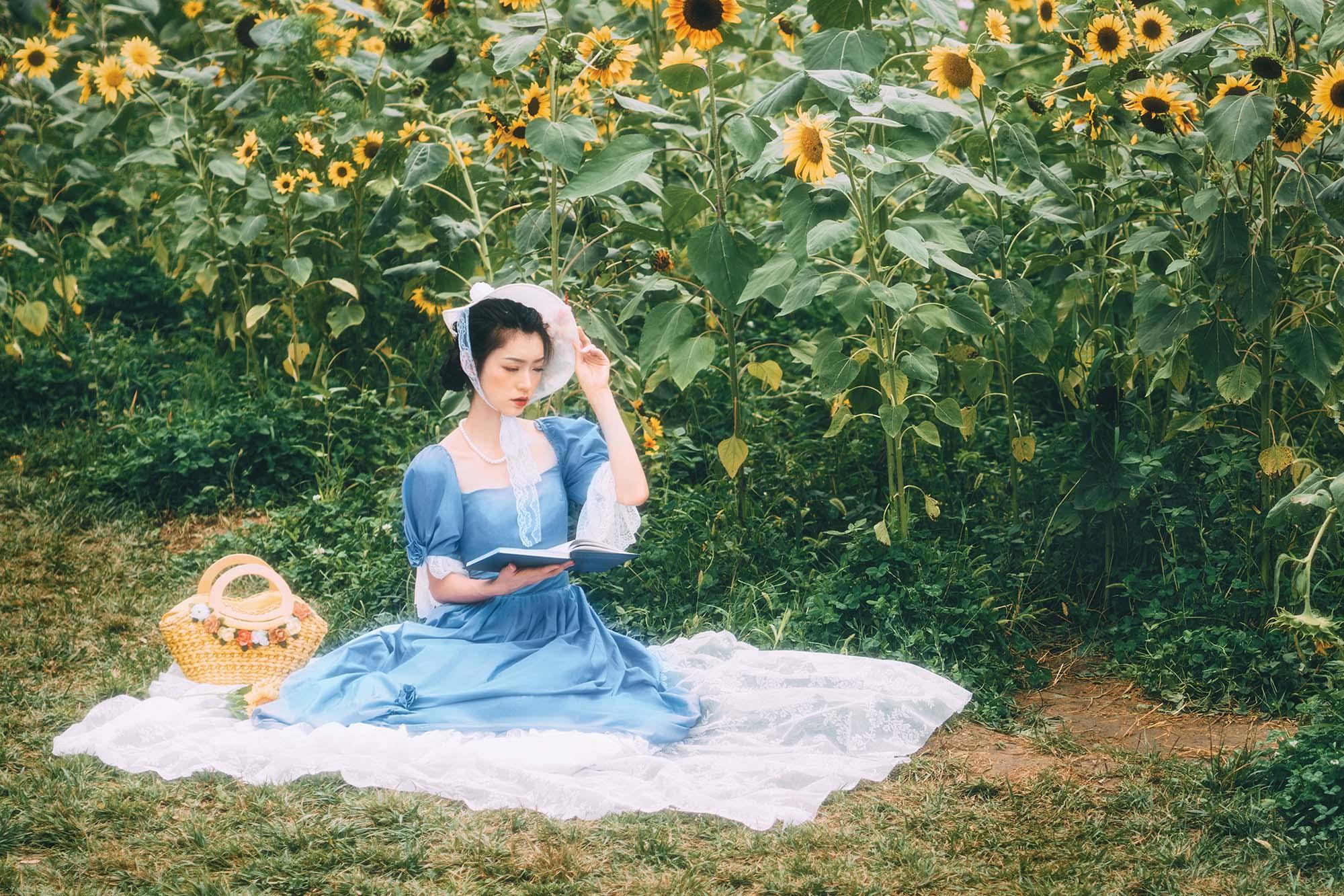 Cô gái cung hoàng đạo Song Ngư chọn đọc thơ để thư giãn tâm hồn