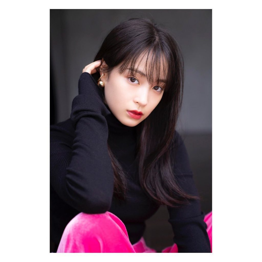 Nét đẹp tự nhiên của nữ diễn viên Nhật Hirose Suzu