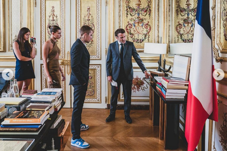 Vợ chồng Hailey gặp tổng thống Pháp