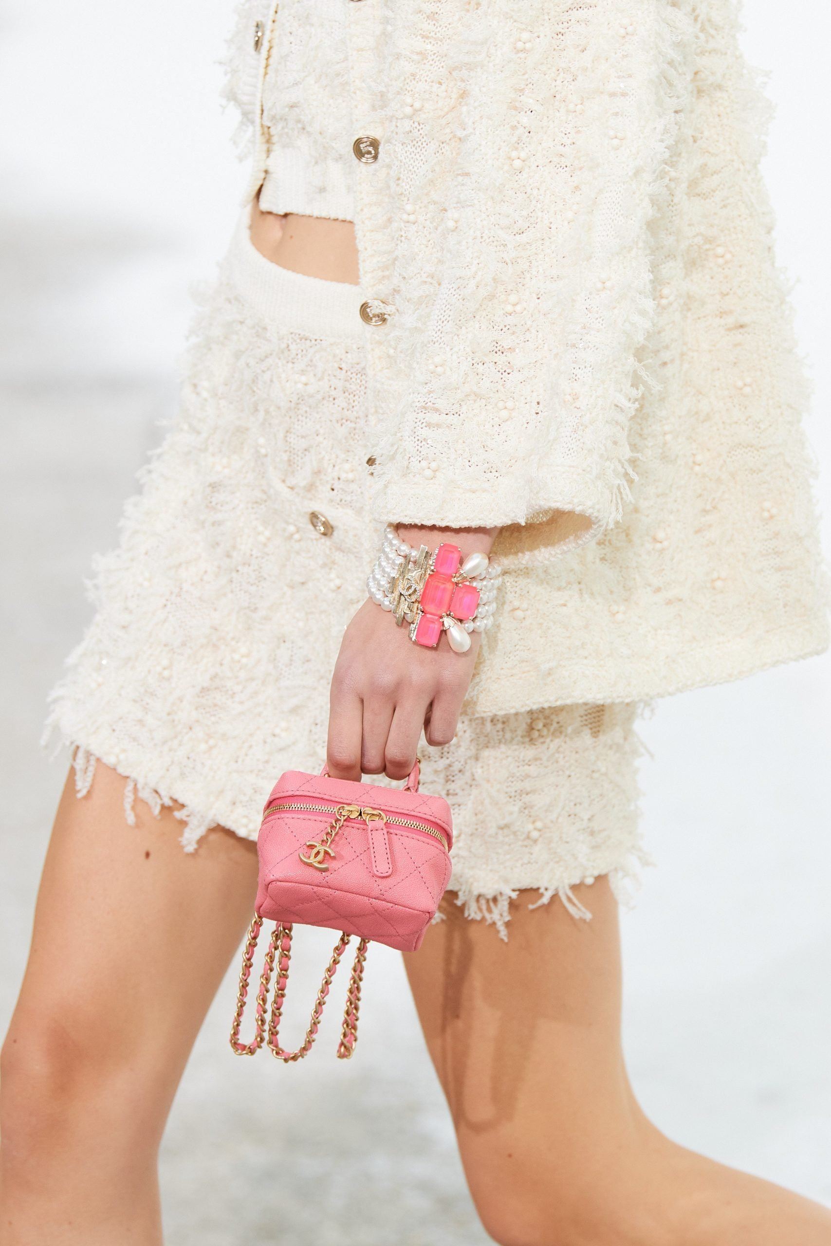 Chanel vanity bag màu hồng