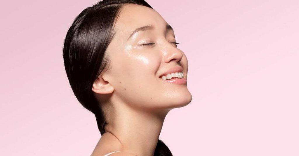 Dầu thiên nhiên giúp làm sạch mụn đầu đen hiệu quả