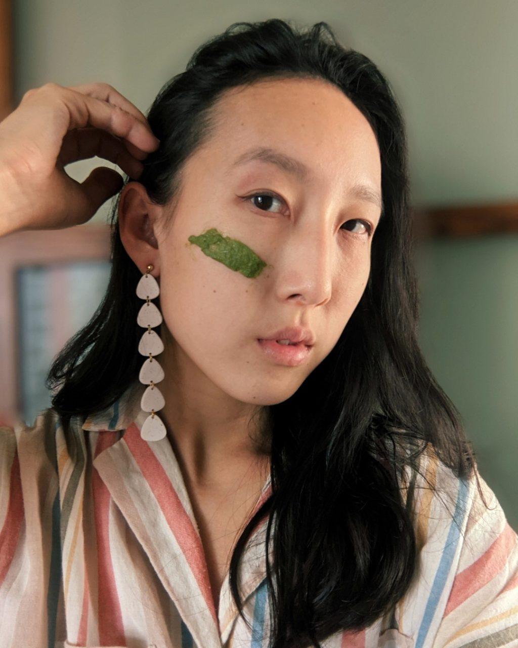 Sử dụng trà xanh để trị mụn đầu đen
