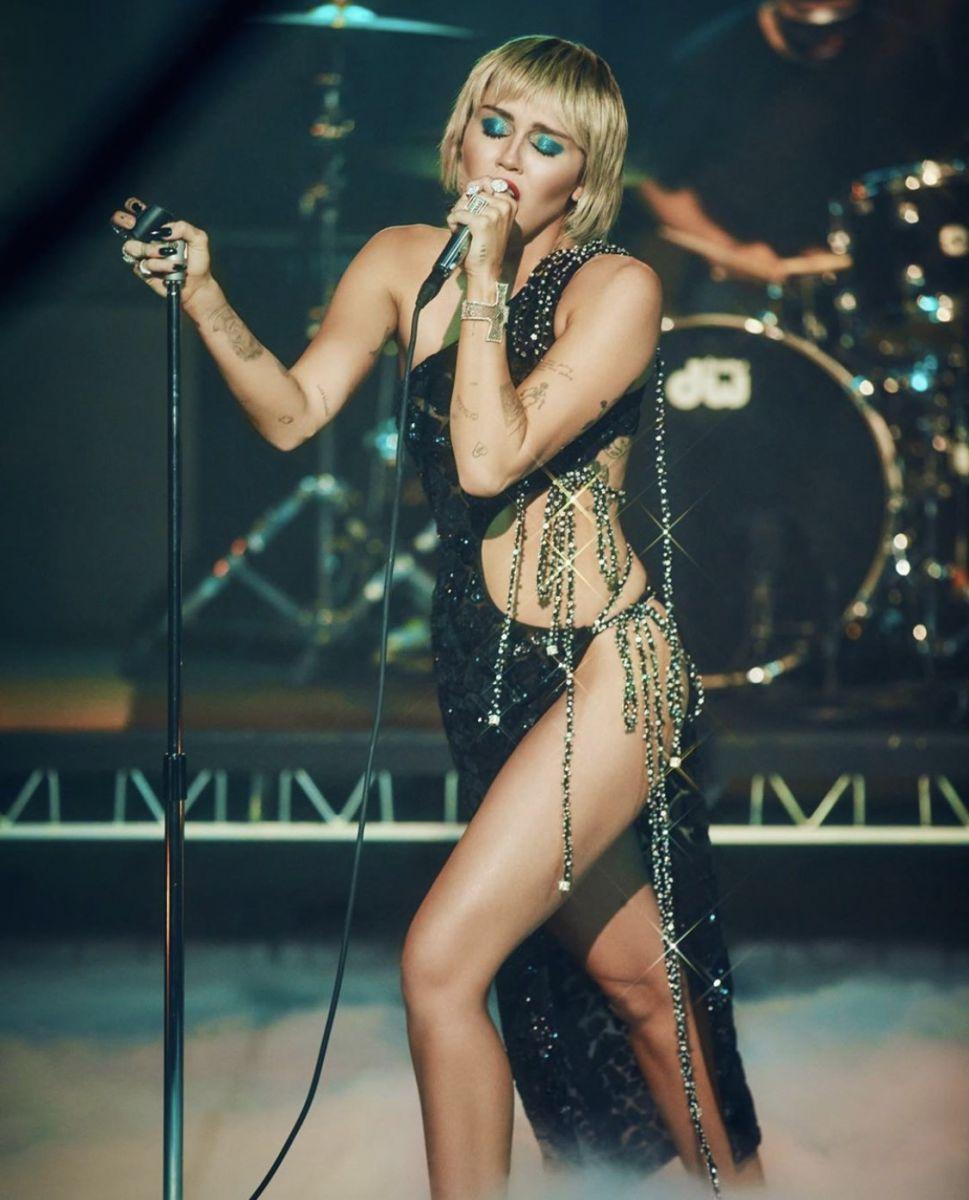Miley Cyrus The Tonight Show Starring Jimmy Fallon in Công Trí
