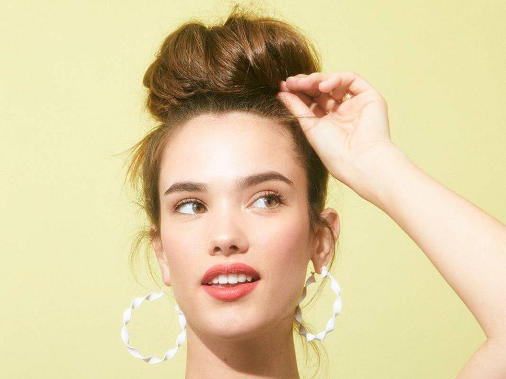6 kiểu tóc búi đơn giản mùa Hè