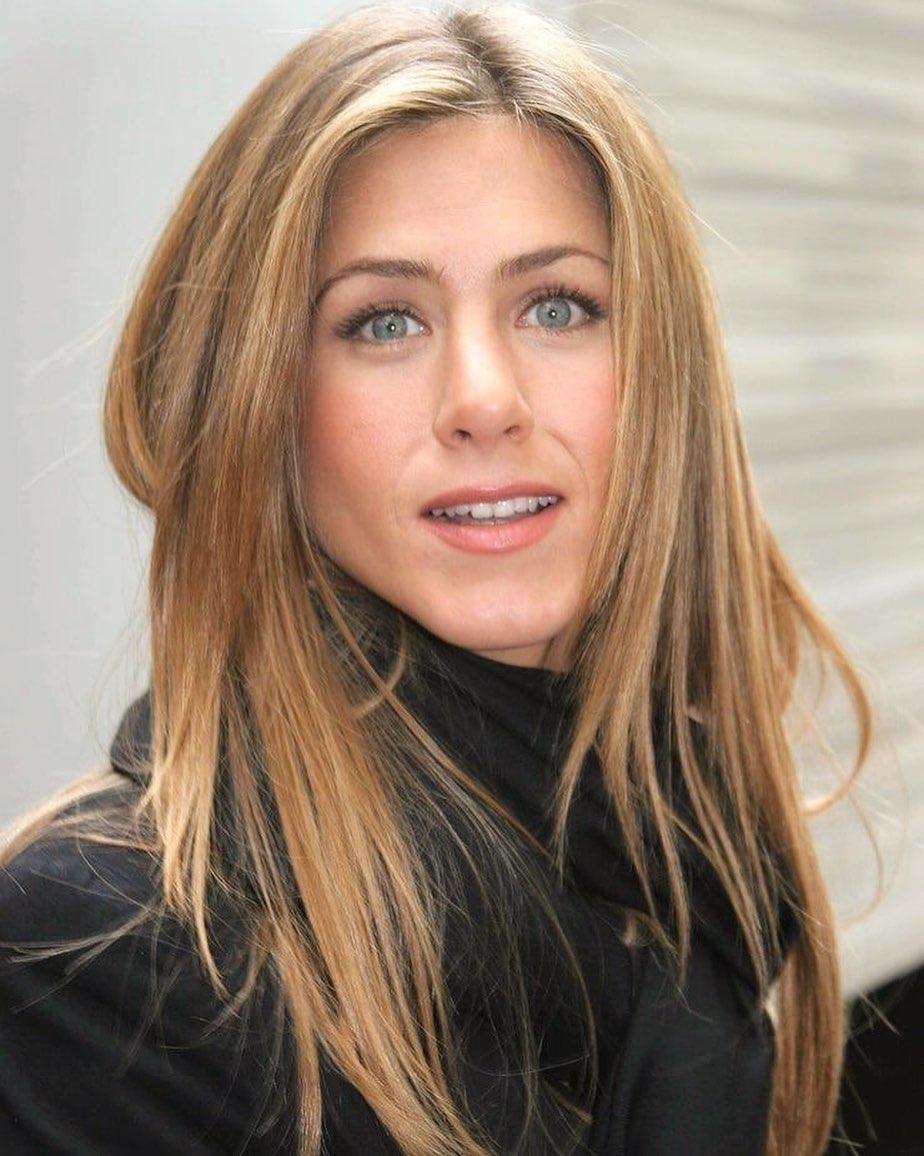 Vẻ đẹp không tuổi của Jennifer Aniston