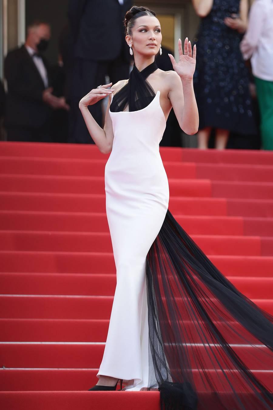 Bella Hadid tại liên hoan phim Cannes 74