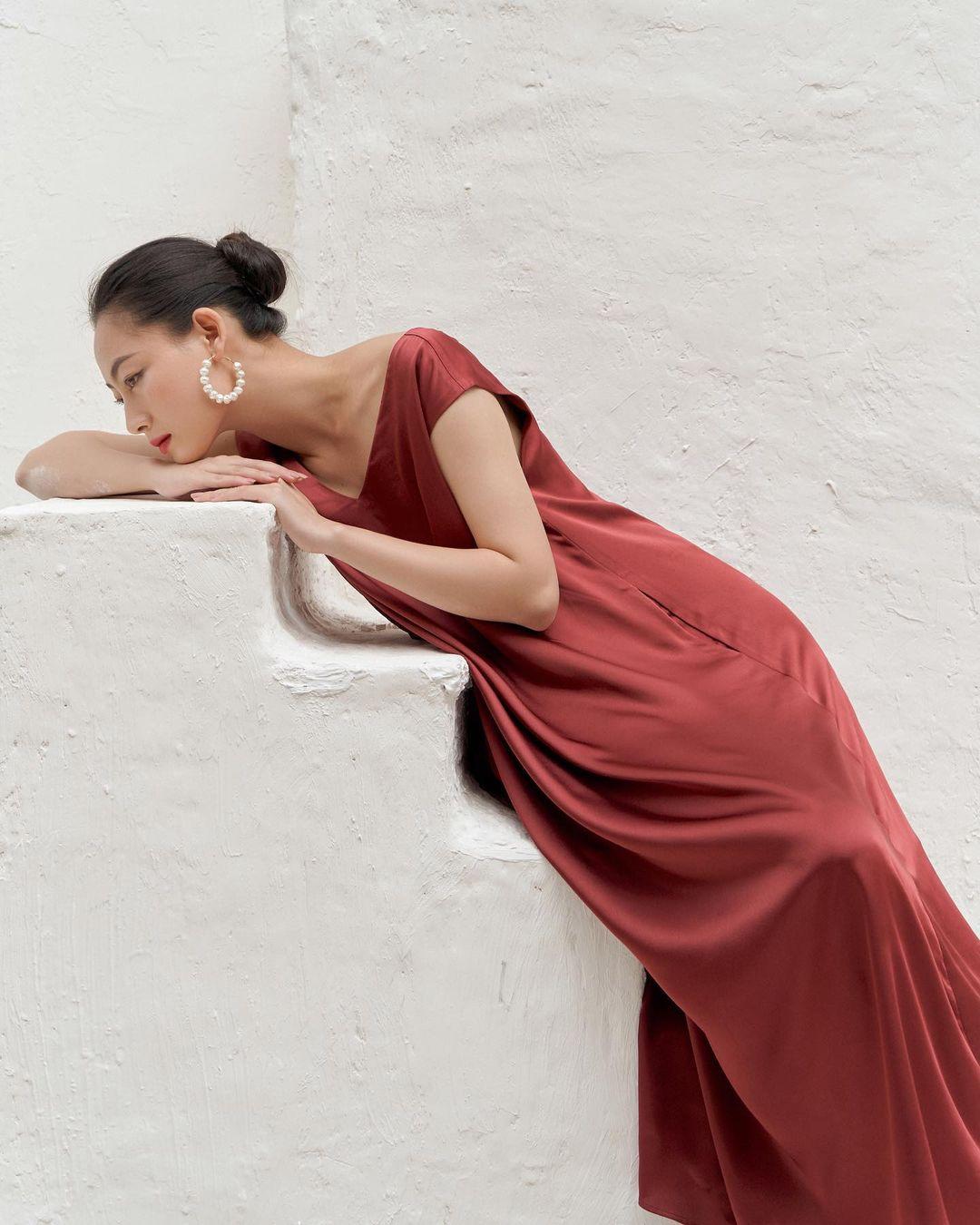 đầm suông đỏ nosbyn