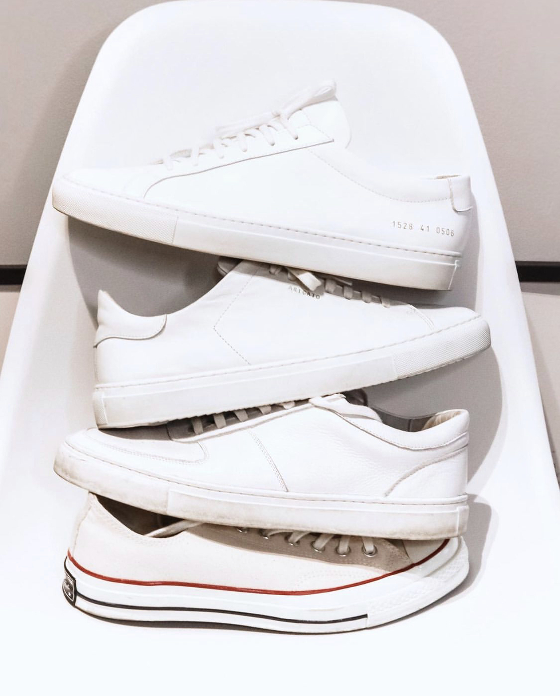 giày thể thao trắng