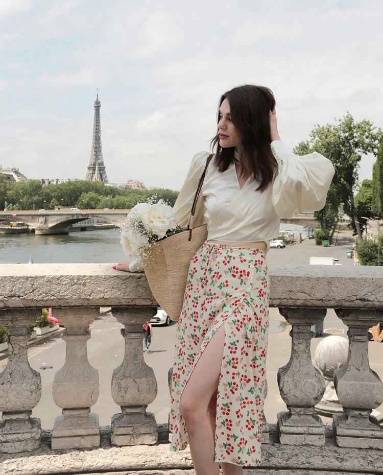 Chân váy hoa thời trang