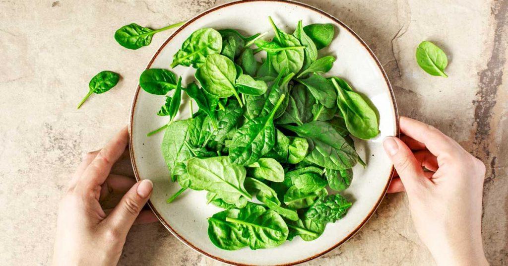 Rau bina - thực phẩm mang nhiều dưỡng chất tốt cho tóc