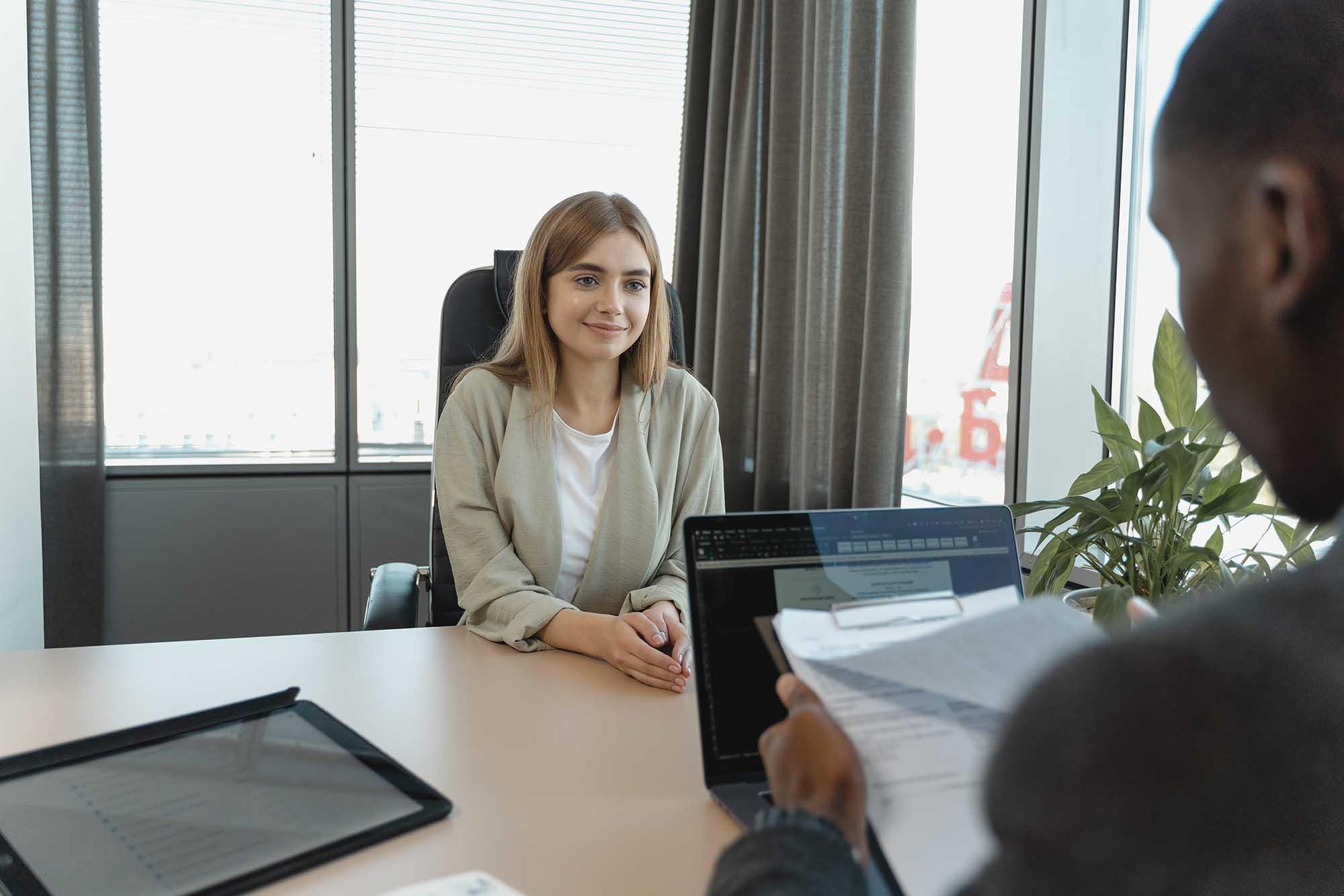 cách đối diện với áp lực tìm kiếm việc làm