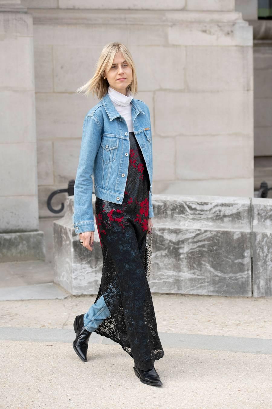 Phối layer đầm cùng jeans