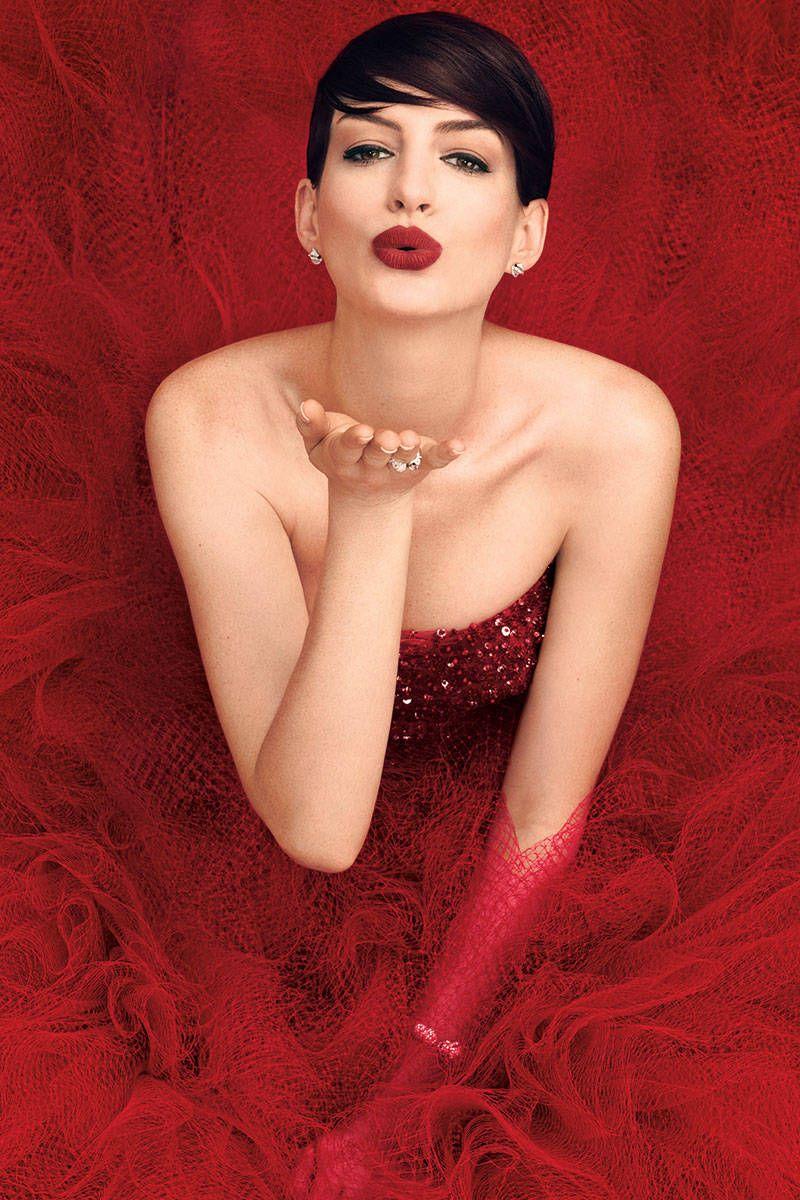 Vẻ đẹp mỹ miều riêng biệt của Anne Hathaway