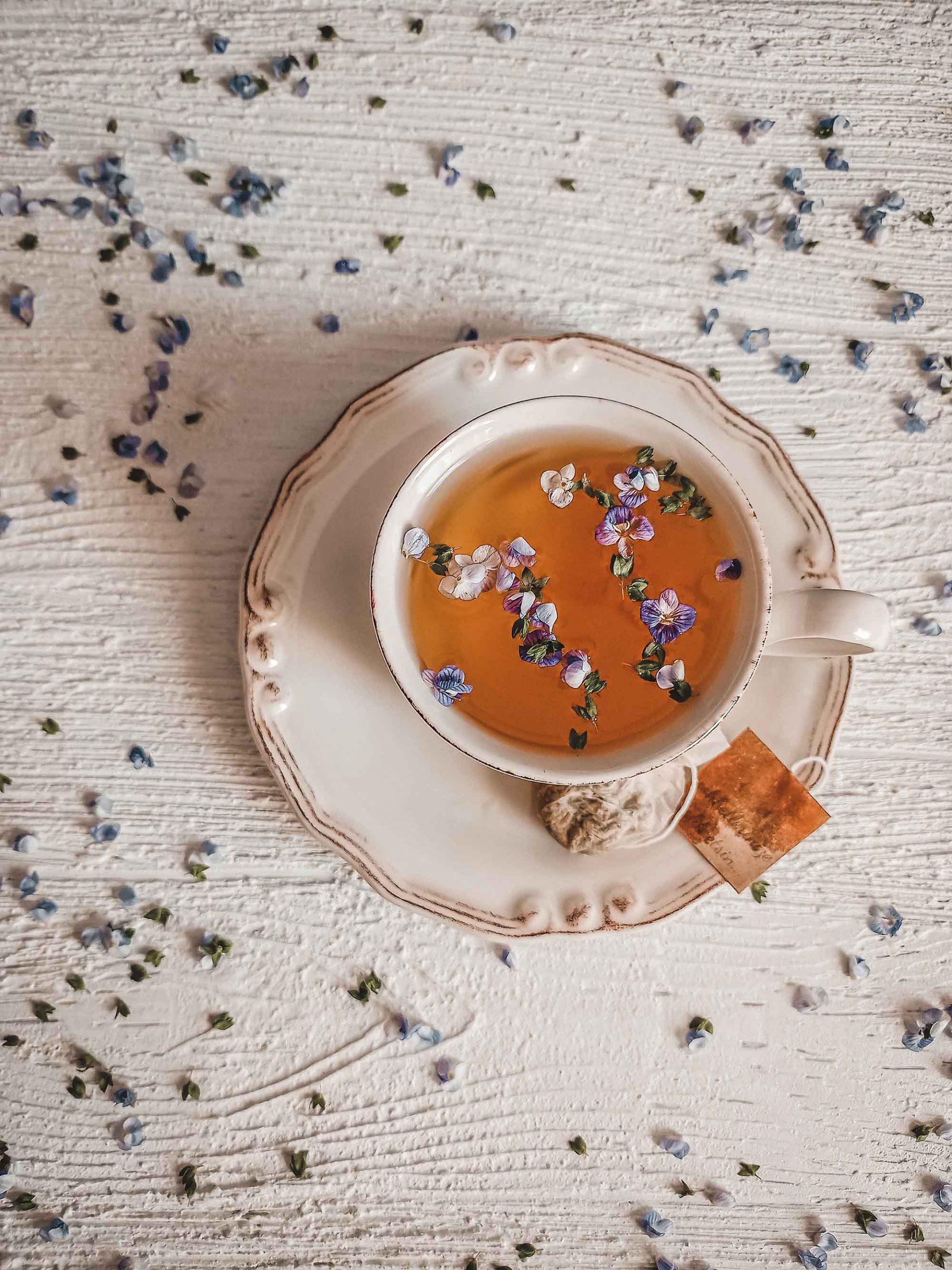 uống trà cải thiện sức khỏe tinh thần