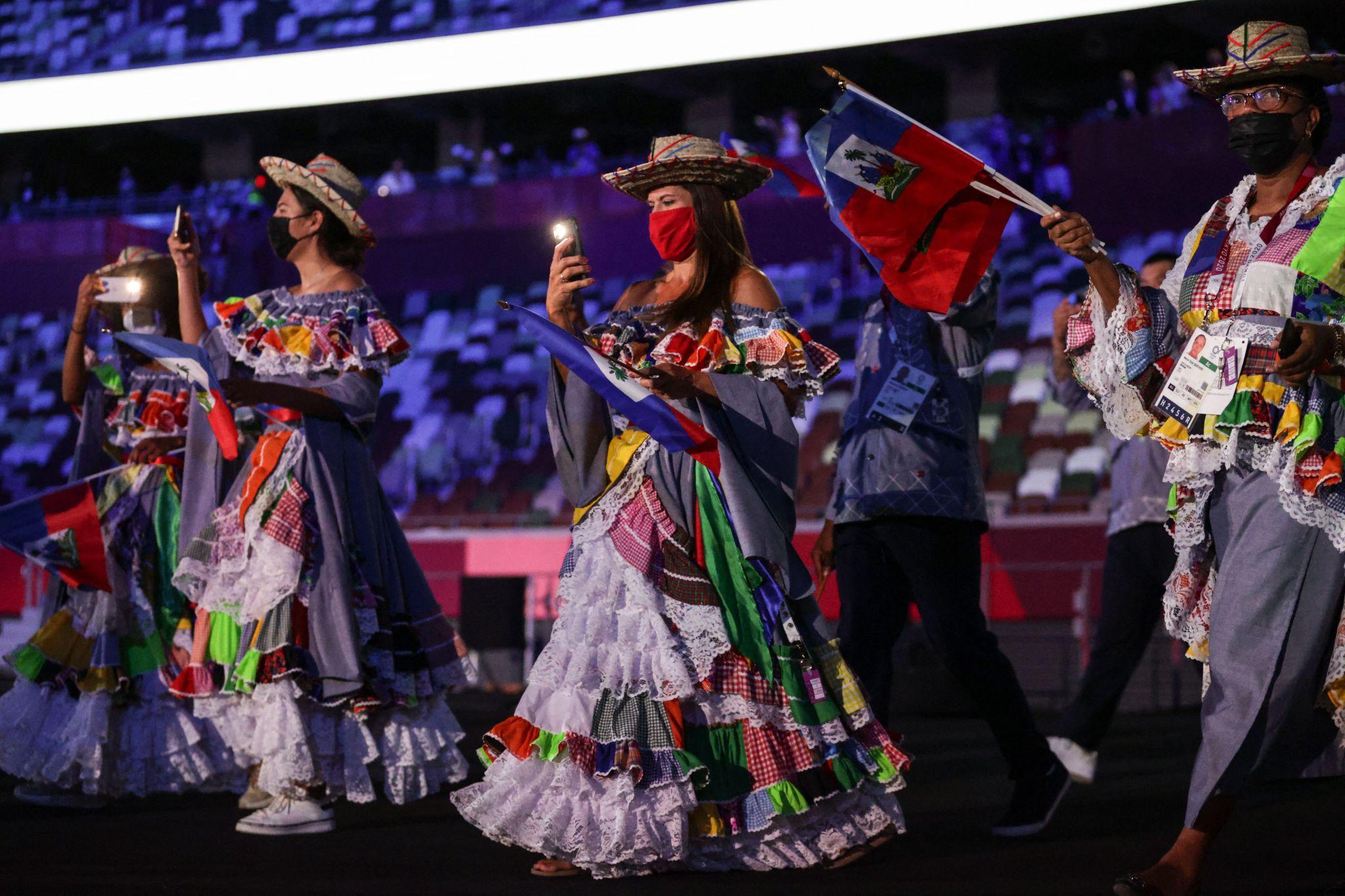 trang phuc của Haiti tại Olympic Tokyo 2020