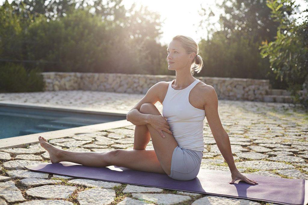 Bài tập yoga giãn cơ vặn mình