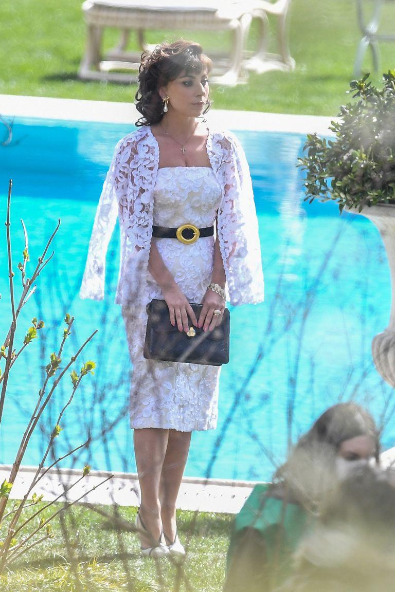 lady gaga đầm ren trắng